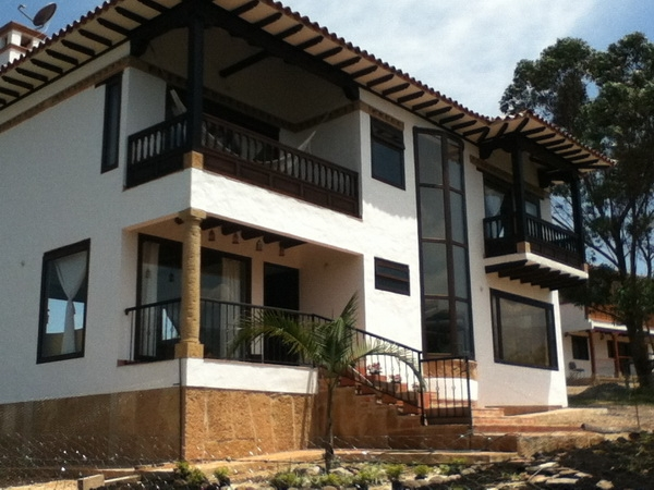 Casa para estrenar a 5 kilómetros de Villa de Leyva