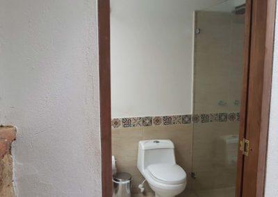 casa-jequeneque-alojamiento-bano2-alquiler-cabañas-villa-de-leyva-fincas-de-la-villa